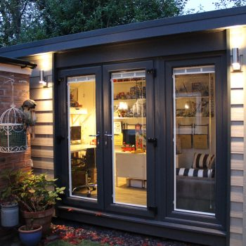 Garden building gallery view our insulated garden rooms for Garden room definition