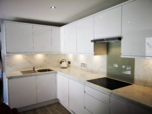 Granny Annexe Kitchen in Gloss White